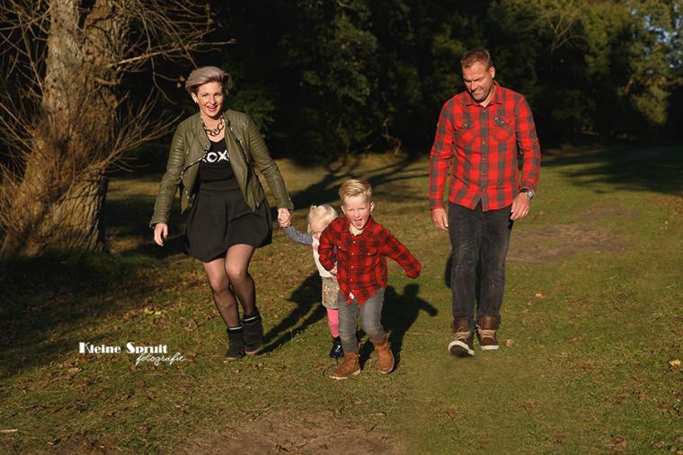 kleine-spruit-fotografie-daglicht-gezin-fotosessie-fotograaf-leiden-zuid-holland-panbos-58